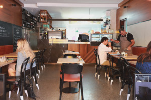 Lo Lola - Dining